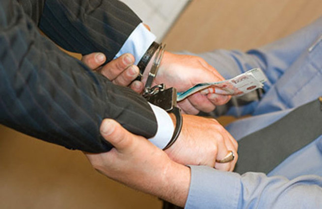 Статья 163 УК РФ: ответственность за шантаж и вымогательство денег