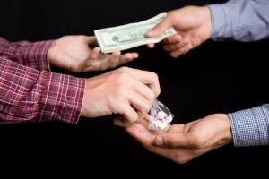 Статья 228 УК РФ: наказание за изготовление, хранение наркотиков