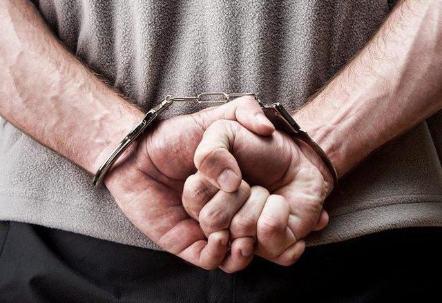 Причинение вреда при задержании лица, совершившего преступление