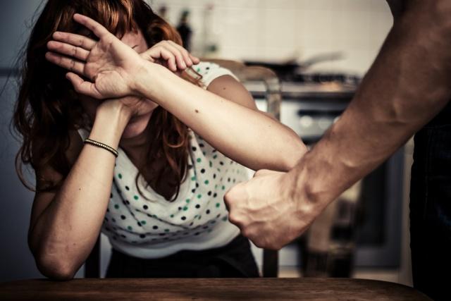 Избиение жены мужем статья и уголовная ответственность РФ