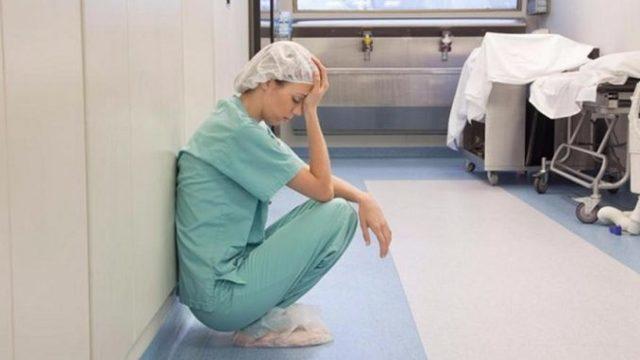 Ст 124 УК РФ: неоказание медицинской помощи больному